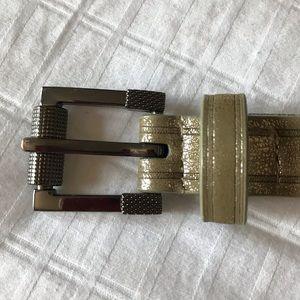 Nine Wear gold metallic belt